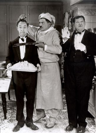 Laurel_Hardy_From_Soup_to_Nuts_01_580x800