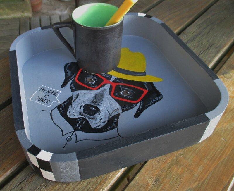 chien peint sur plateau - CélinArtisa