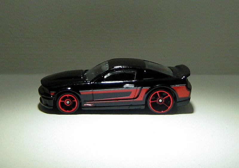 Ford mustang de 2007 (Hotwheels 2011)
