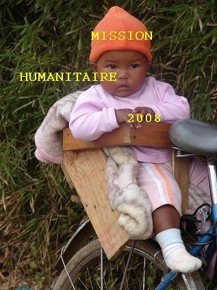 Enfant_malgache_sur_son_v_lo
