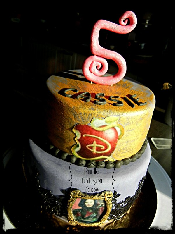 gateau mal descendant disney prunillefee 5