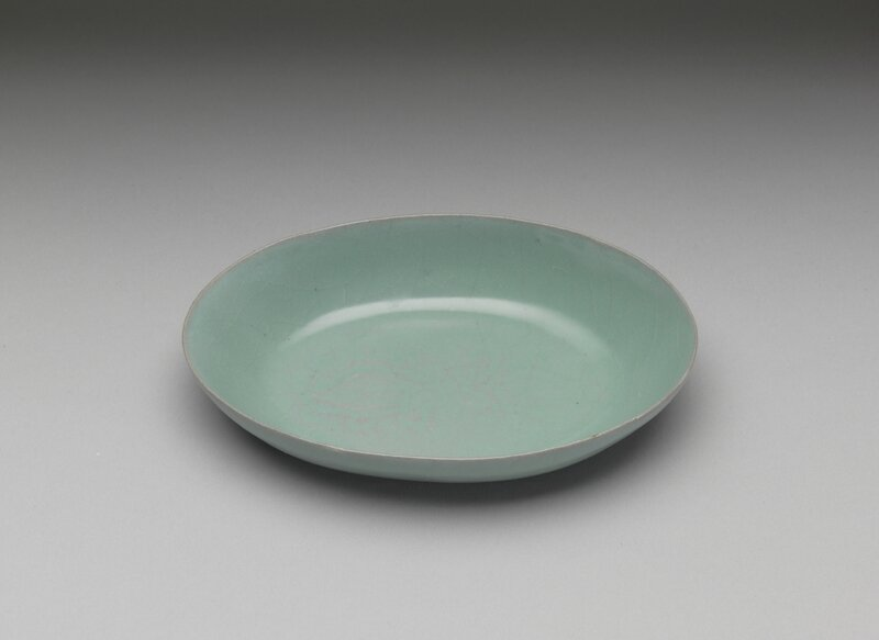 Oval dish with celadon glaze Ru ware, Northern Song dynasty, late 11th- early 12th century