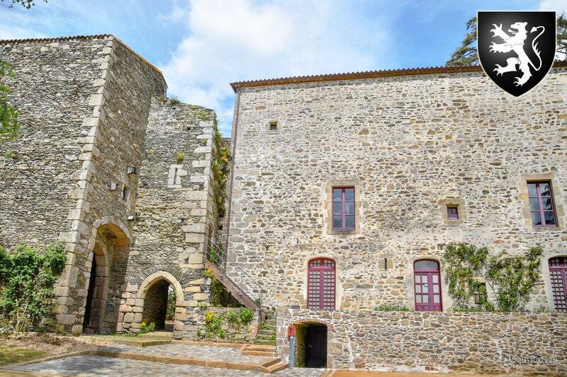 Famille noble du Poitou - FOUCHER DE BRANDOIS seigneurs des Herbiers, de Thénies