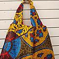 Tote bag wax, tissu africain wax, porté épaule, doublé de voile de coton bleu marine ; sac de plage ou sac shopping