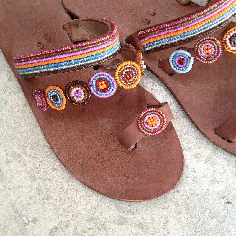 ASPIGA ceintures perlés cousues main, pochettes et sacs bourse perlés, nu-pieds, sandales, maison anglaise, Kenya, Inde équitable printemps été 2015 Boutique Avant-Après 34000 Montpellier (14)