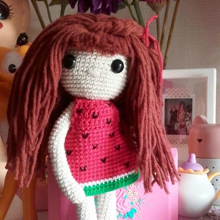 crochet-poupee-isabelle-kessedjian-robe-pasteque