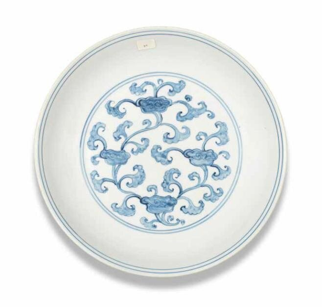 A_rare_blue_and_white__lingzhi__dish__Hongzhi_Zhengde_period