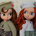 Belle et merida en tenue de fillettes