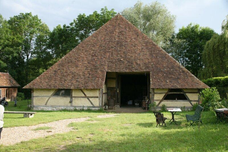 Rallye 2016, la grange pyramidale de Châtillon-sur-Loire