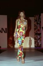 gianni_versace_andy_warhol_marilyn_dress-1991-naomi_campbell-3
