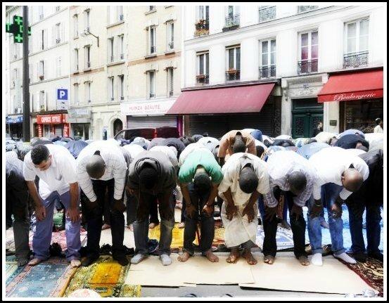 Islam prière de rue