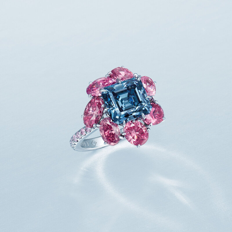 2019_HGK_17478_2054_002(superb_coloured_diamond_ring_moussaieff)