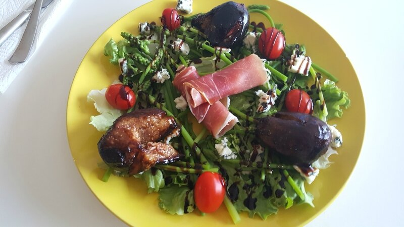 salade figues, roquefort, asperges sauvages