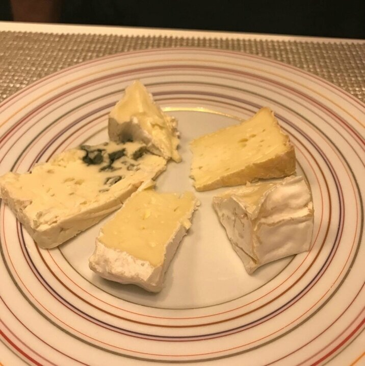 Chariot de fromages, X