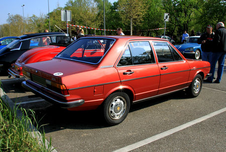Audi_80_selection_de_1978__Rencard_de_Haguenau_avril_2011__02