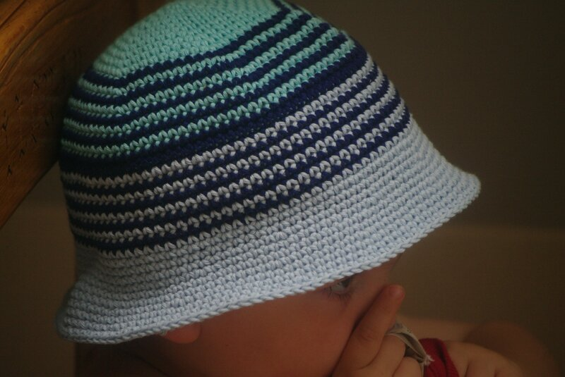 crocheter chapeau plage garçon