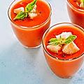 Gaspacho de tomate concombre et basilic en 5 mn