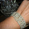 Oh un petit bracelet ...