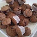Muffins au chocolat surprise (avec une framboise à l'intérieur)
