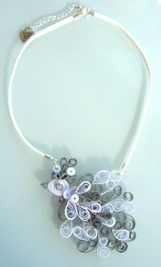 collier quilling blanc gris 1