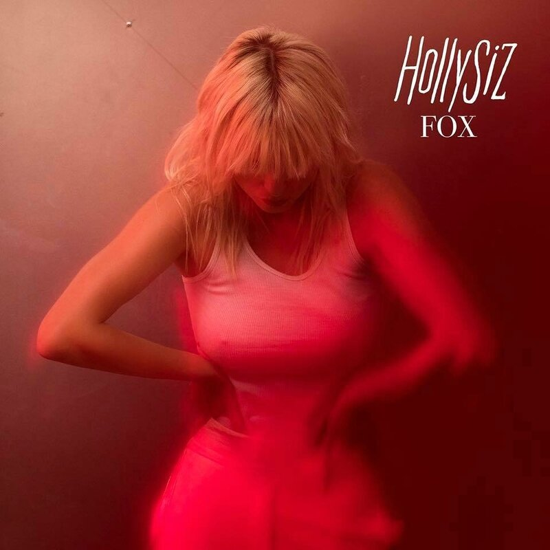 hollysiz-fox