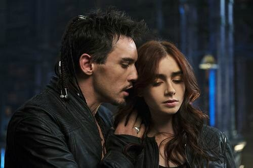 Clary and Valentine Mortal Instruments City of Bones