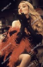 Jerry_Hall-1990-01-24-Palace_Theatre_Watford-Bus_Stop-02-6