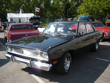 PLYMOUTH_Valiant_4door_Sedan_Illzach__1_