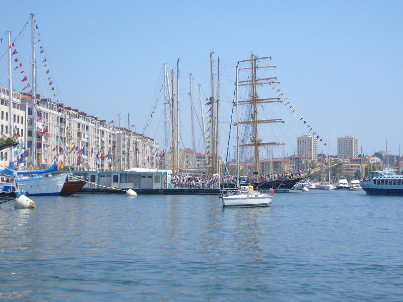 1280px-Toulon_Port_tall_Ships_4
