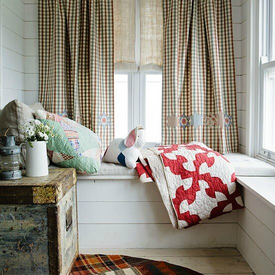 Windowseat-with-quilts--Country-Homes--Interiors--Housetohome_co_uk
