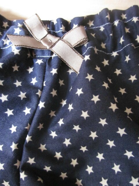 Culotte BIANCA en coton marine imprimé étoiles beige - noeud beige et chocolat (2)