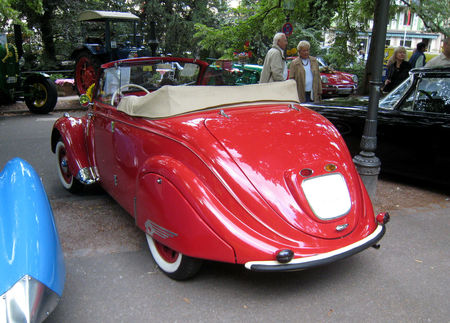 Peugeot_202_coup__1938_02