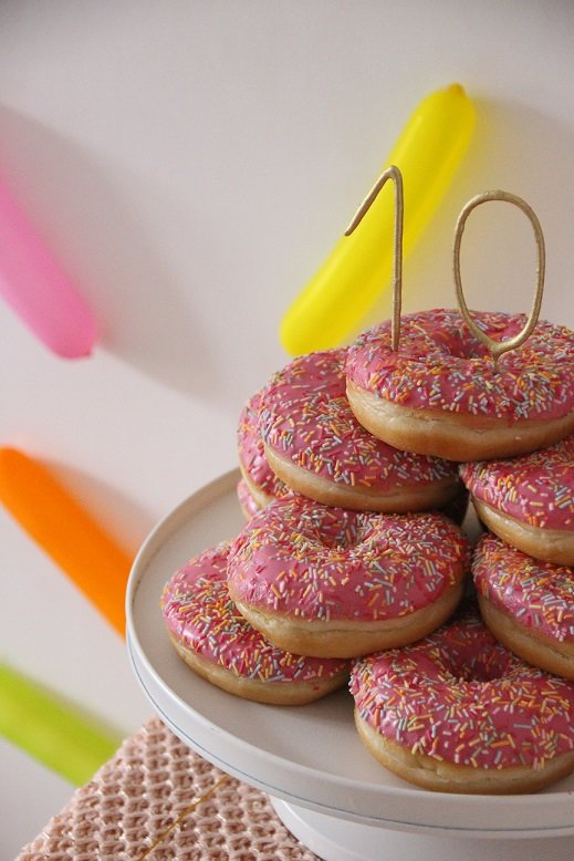happy_10_donut_party_candles