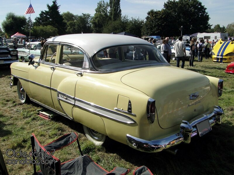 chevrolet-bel-air-sedan-1954-04