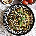 Salade de boulgour, pois chiche, aubergine et abricots secs