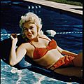 jayne_bikini_red-pool-1957