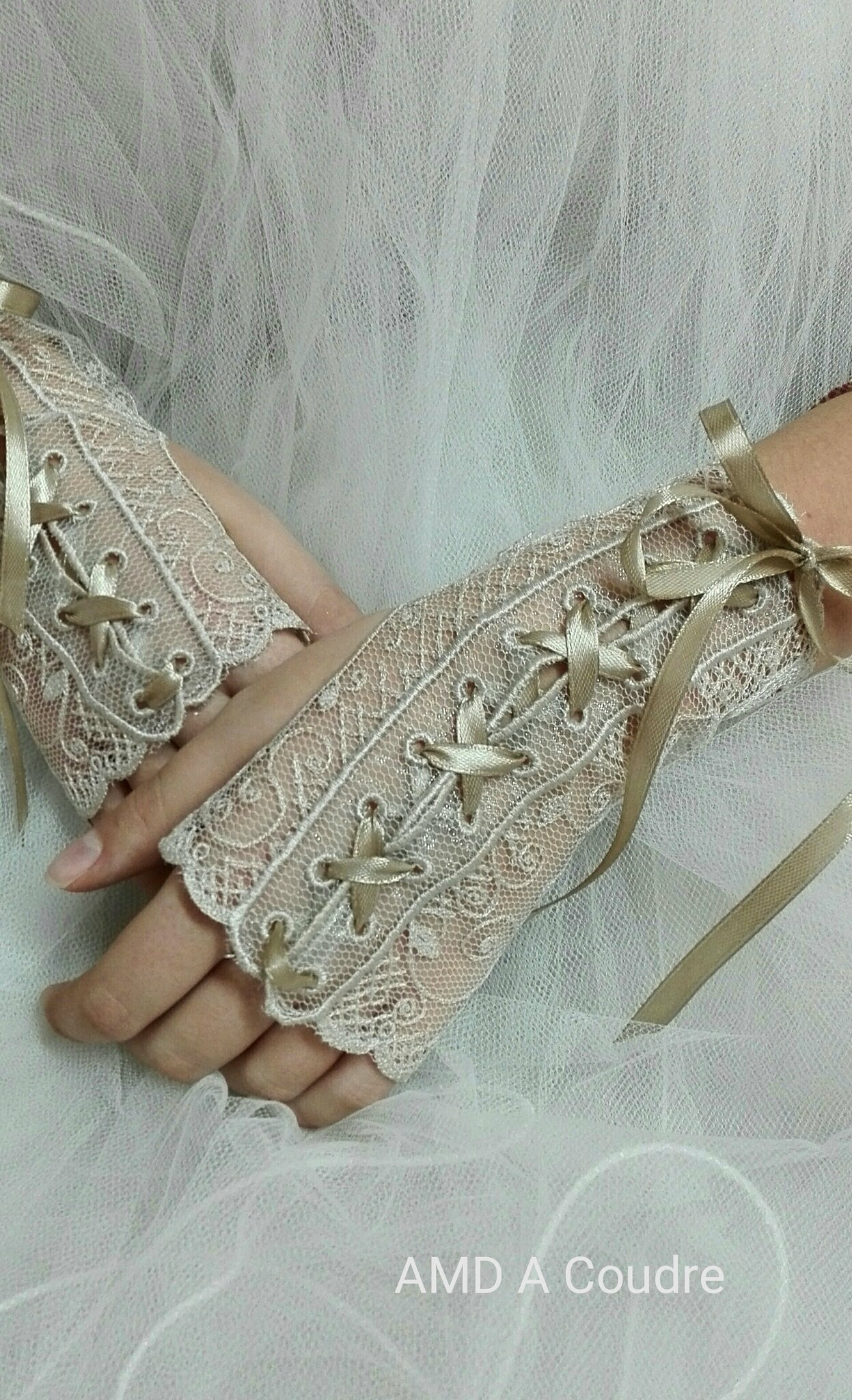 mitaines, gants de mariee, wedding bride broderie amd a coudre