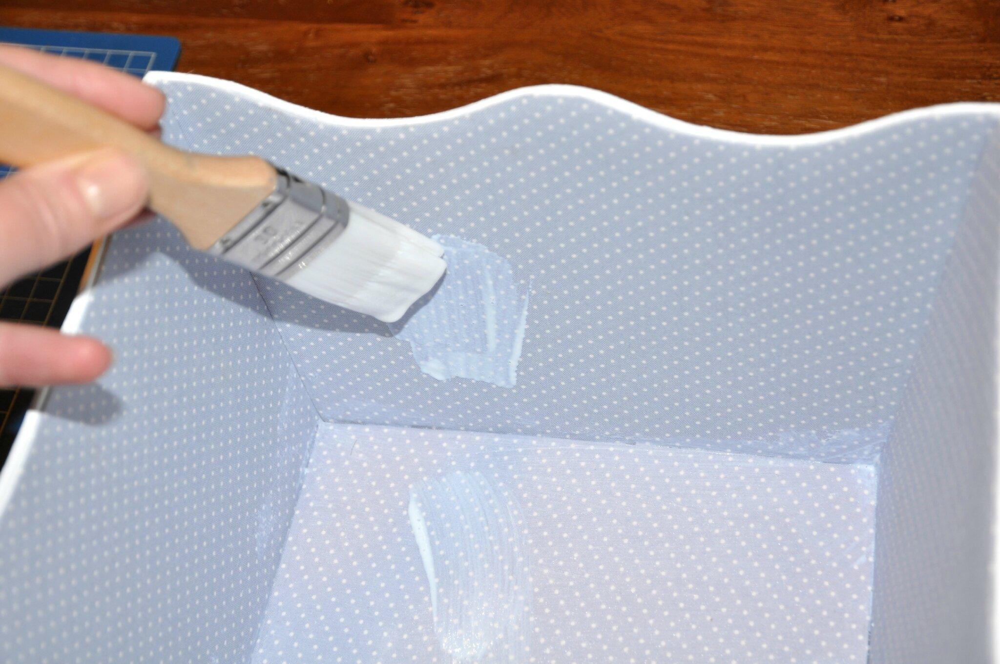 tuto gratuit imperm abiliser et peindre un cartonnage. Black Bedroom Furniture Sets. Home Design Ideas