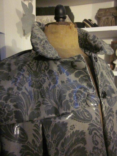 Ciré AGLAE en coton enduit fermé par des pressions cachés sous de gros boutons recouverts - taille 50 (15)