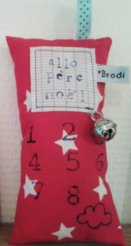 Brodi Broda-hochet téléphone-allo père noël