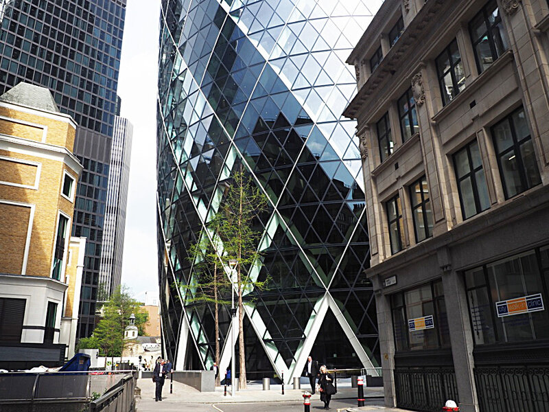 3-la-city-london-londres-tower-norman-foster-ma-rue-bric-a-brac