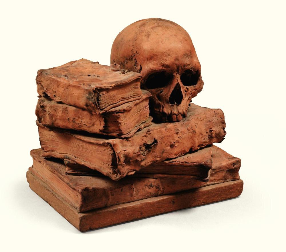 Vanité avec un crâne et cinq livres en terre cuite, France ou Allemagne, XIXe siècle
