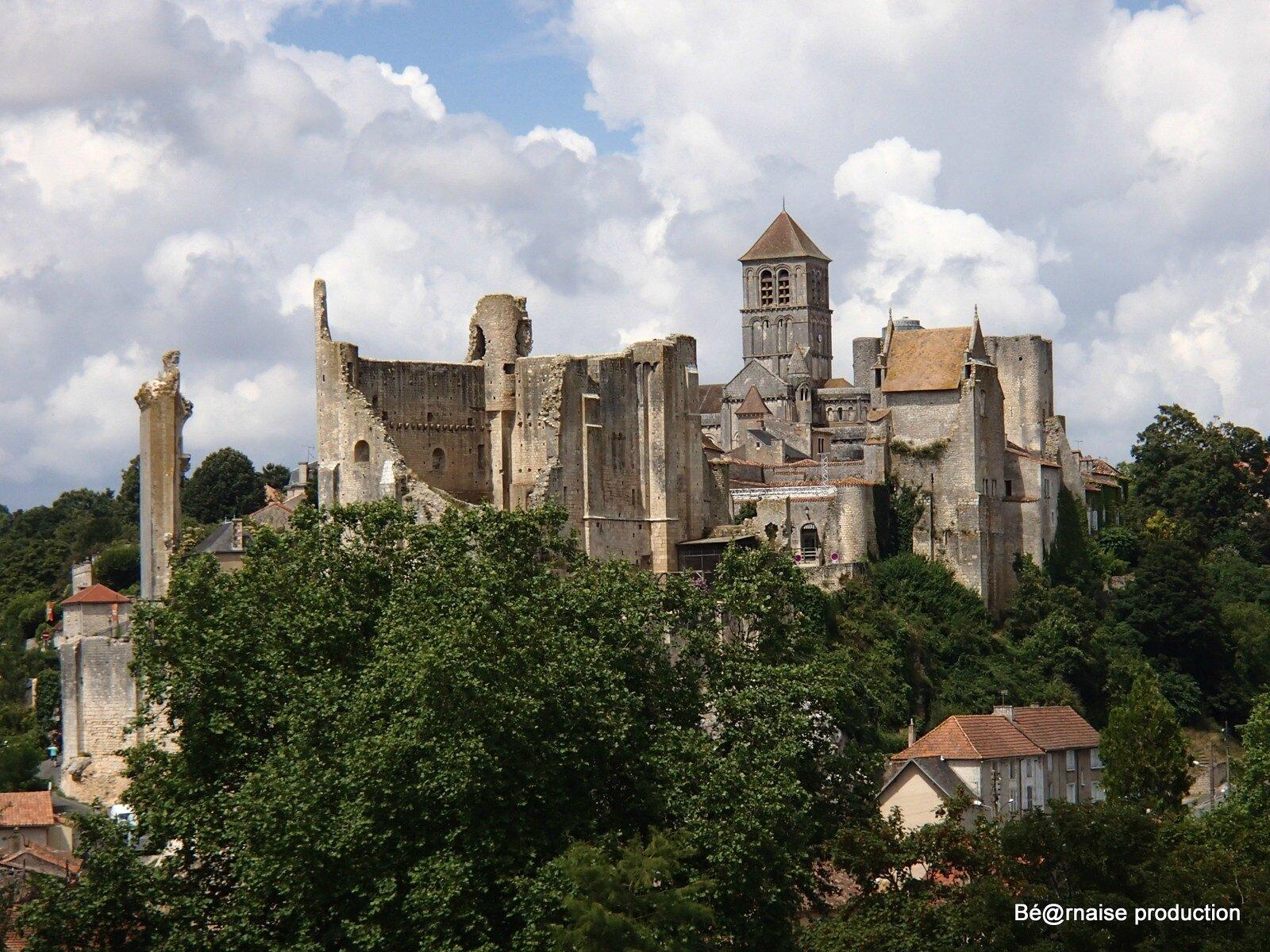 Cité médiévale (Chauvigny, Poitou, août 2013)