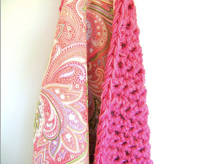 etsy_reversible_stroller_blanket_paisly_in_pink_sheilalikestoknit_36euros