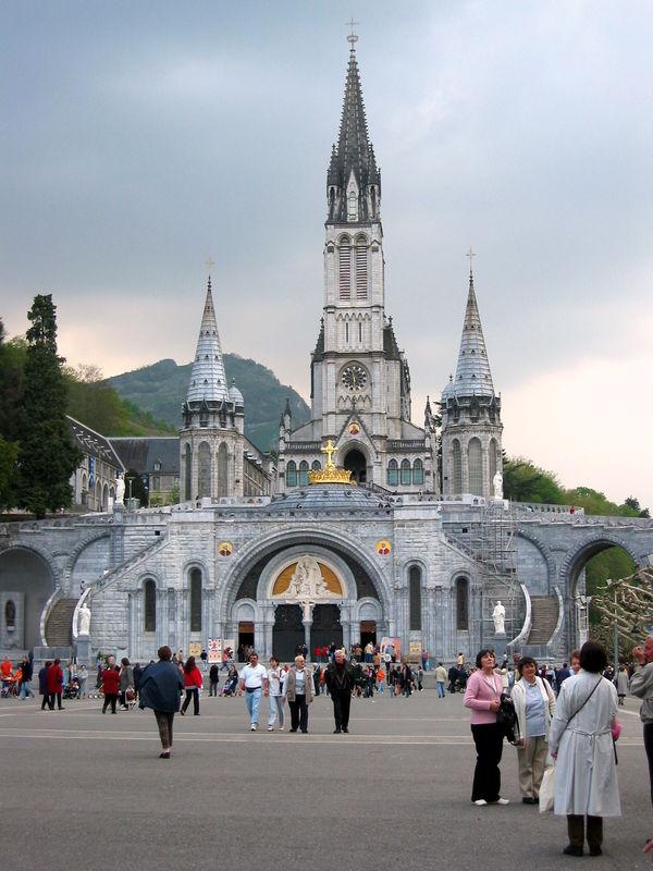 Lourdes, la Basilique