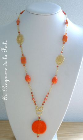 Collier orange long a