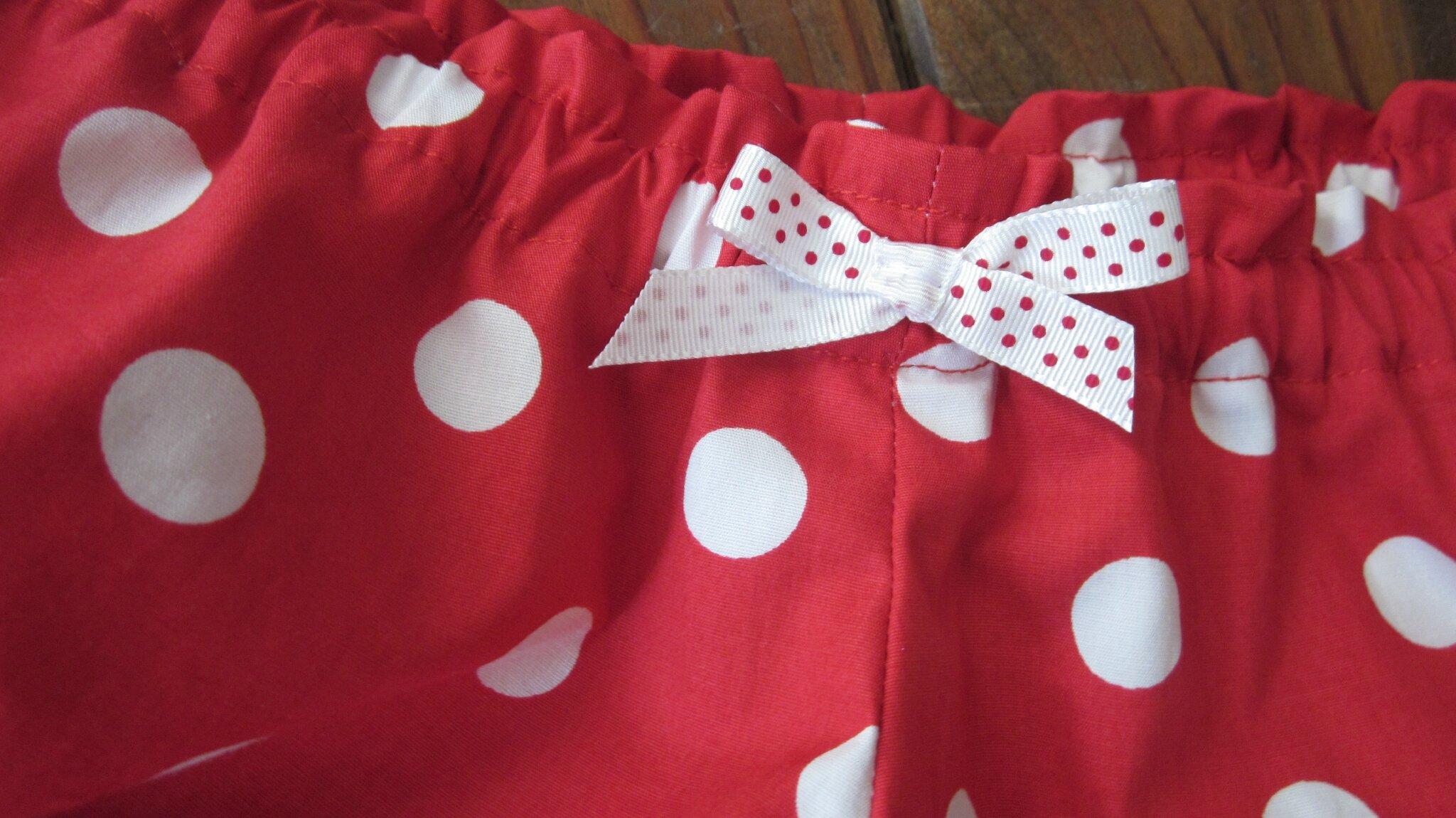 Culotte rouge à pois blancs (3)