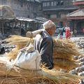 Pour cuire les poteries (Bakhtapur)