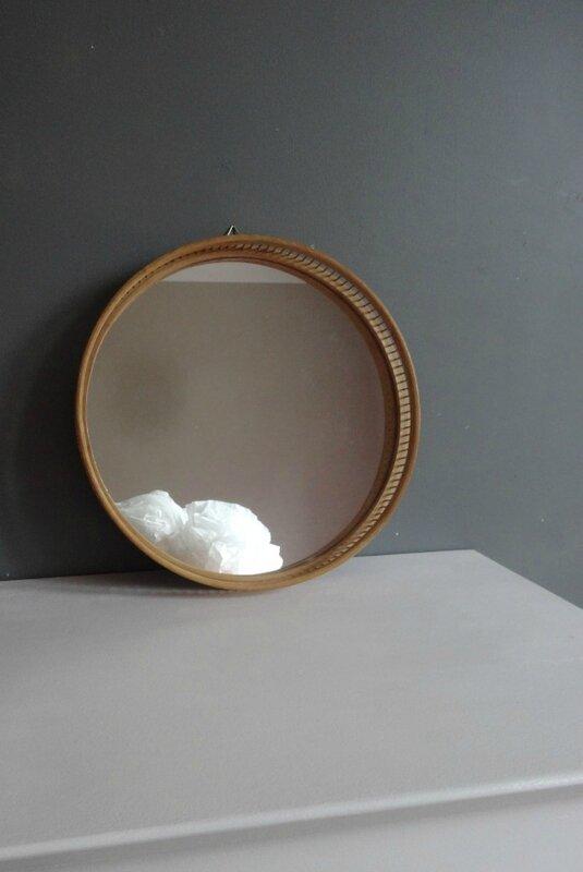 Miroir en rotin rond