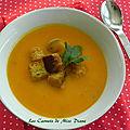 Velouté à la courge butternut et aux carottes, croûtons au cari et au gingembre, sans gluten et sans lactose